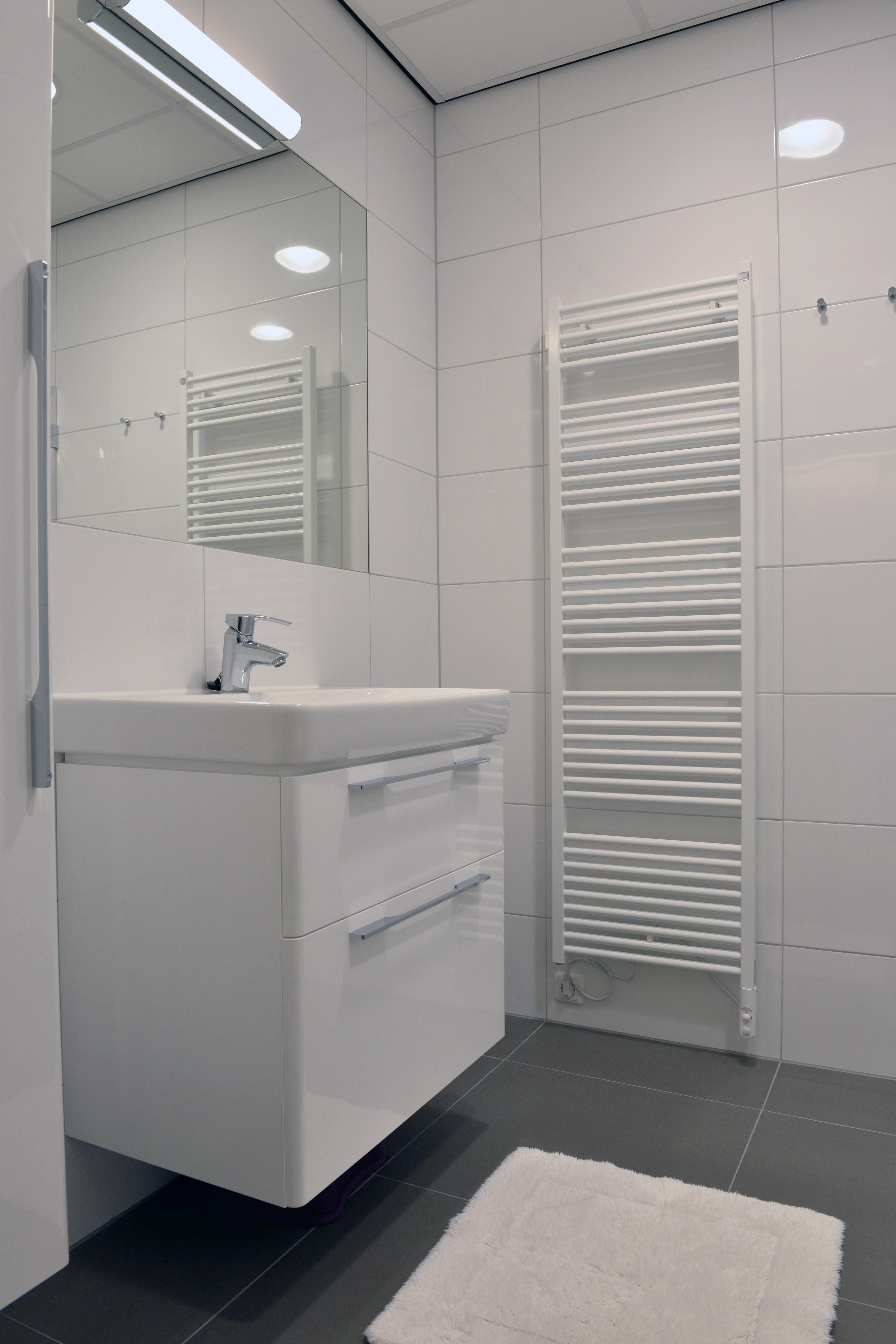 Nieuwe badkamers ronald mcdonald huis zwolle salverda - Nieuwe badkamer ...